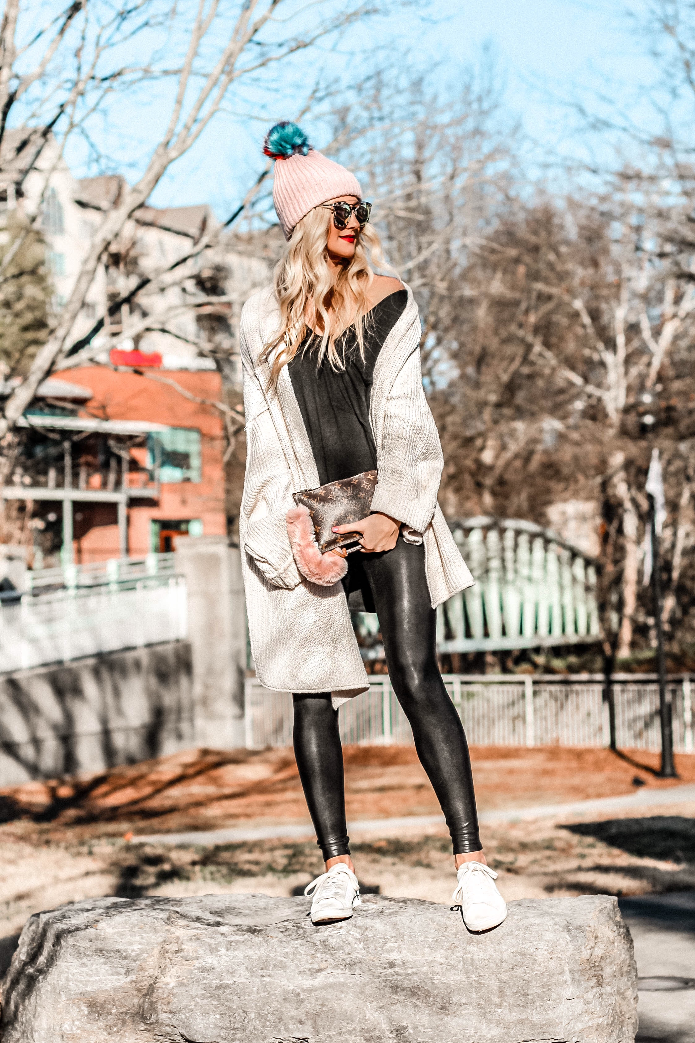 5 Ways to Wear Faux Leather Leggings | love 'n' labels www.lovenlabels.com